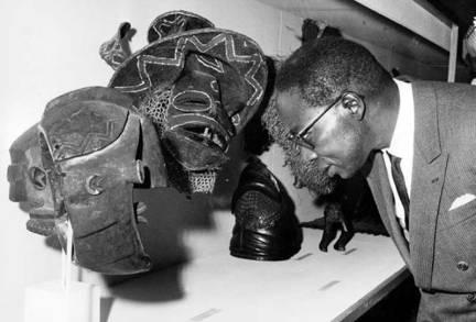 Senghor at Musée Dynamique, Dakar 1966.